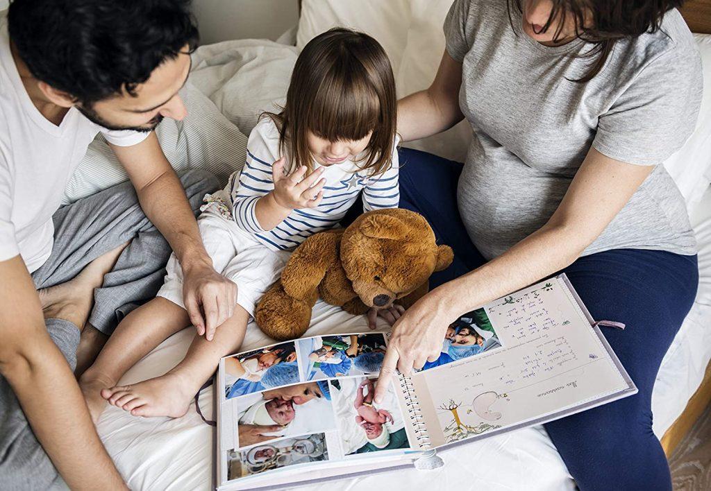 famiglia sfoglia ricordi infanzia Celebrare immortalare la gravidanza